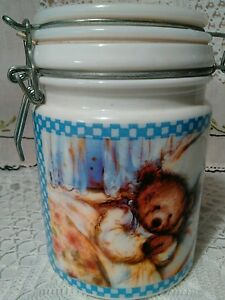 Vintage-Hallmark-Gourmet-Gifts-Ceramic-Decorated-Canister-Sleeping-Bear