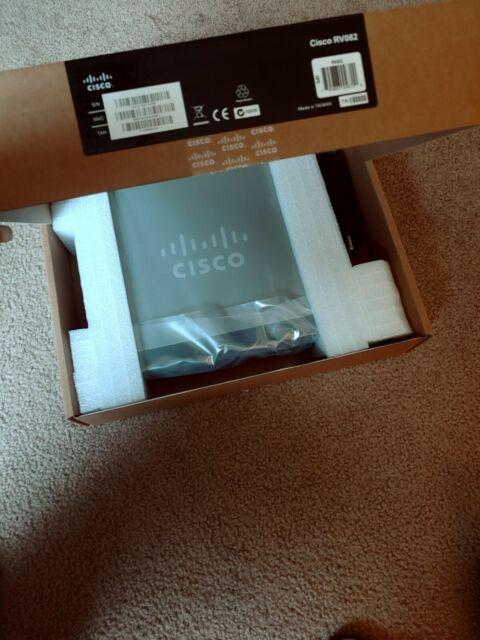 Cisco RV082 8-port 10//100 VPN Router Dual WAN