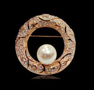 18K-LARGE-ROSE-GOLD-PLATED-AND-GENUINE-AUSTRIAN-CRYSTAL-amp-PEARL-ROUND-BROOCH