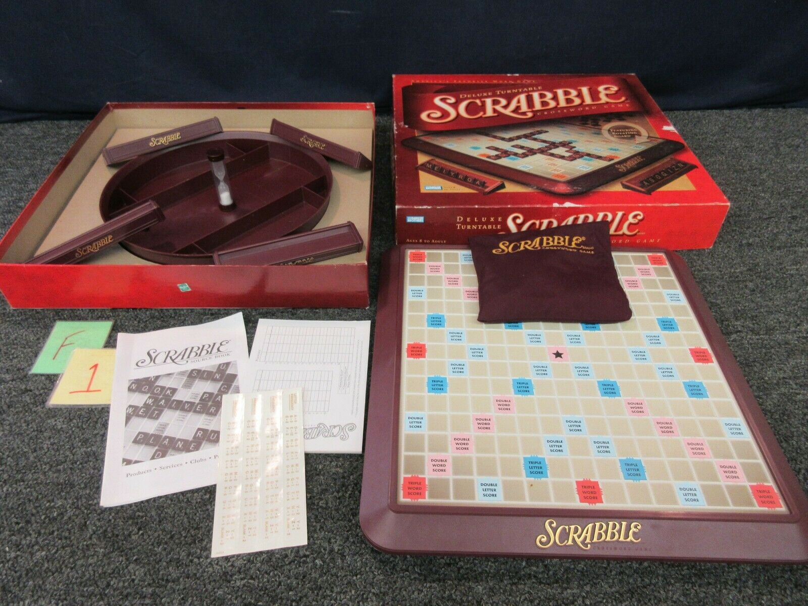 Deluxe Scrabble Crossword gioco with Turn Table  Vintage tavola gioco 2001  punto vendita