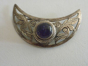 Detailed-Cresent-Moon-925-Silver-Brooch-with-Purple-Cab-Amethyst-made-in-Nepal
