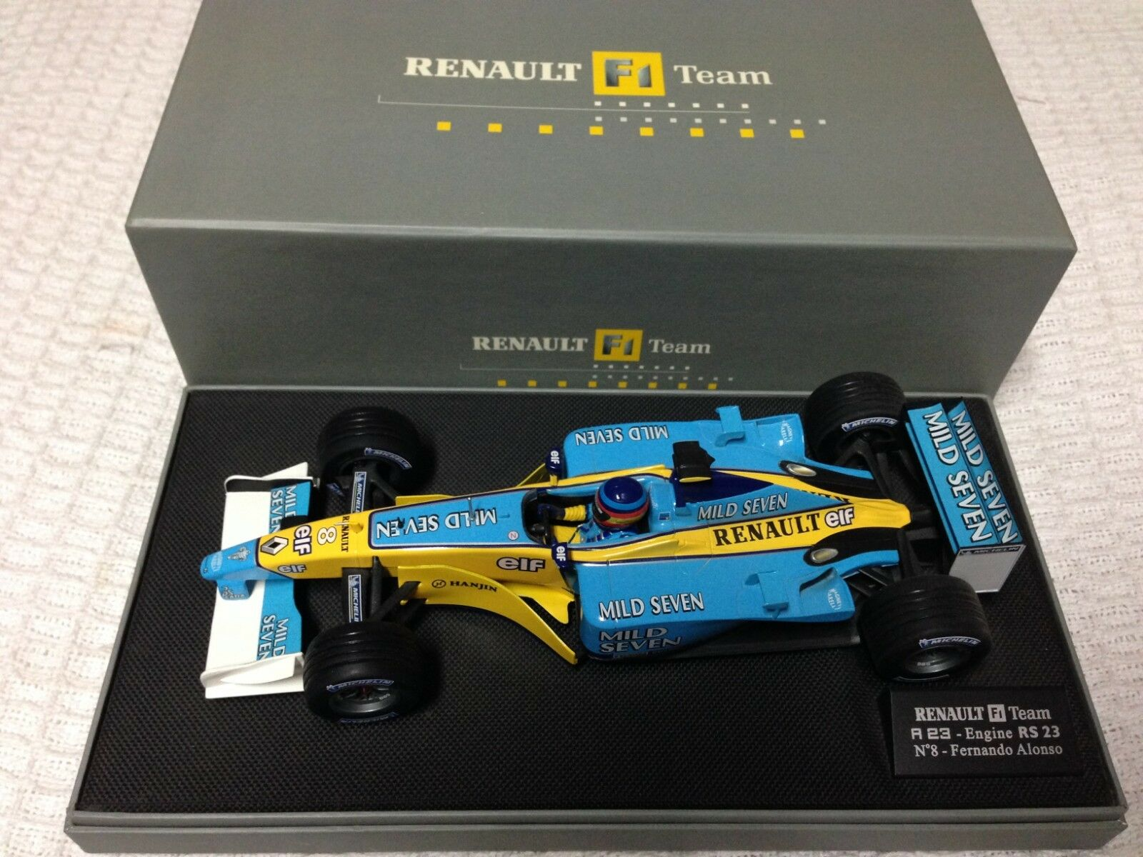 Fernando  Alonso 2003 R23 Renault  MILD SEVEN  1 18  qualité authentique
