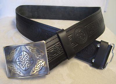 Frugale Antico Celtico In Rilievo Nero Cintura In Pelle & Fibbia Per Kilt Scozzese Da Uomo Nuovo- Famoso Per Materiali Selezionati, Disegni Innovativi, Colori Deliziosi E Lavorazione Squisita