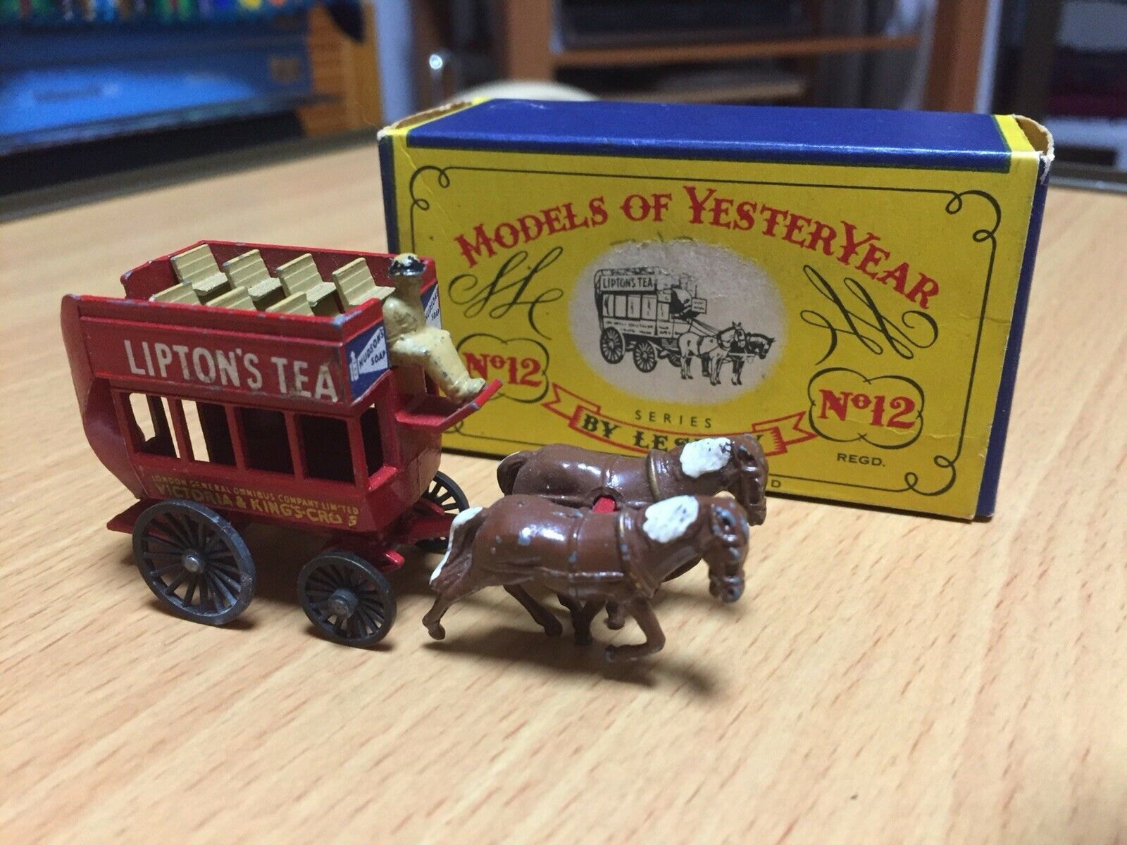 Lesney Matchbox ,Models of yesteryear , Y 12 Horse drawn London bus