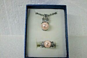 JTV-2162894-Ring-amp-pendant-blush-colored-large-sized-pearl-w-CZ-brillant-stones