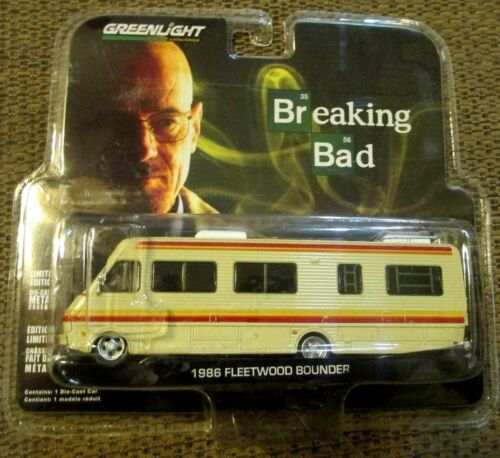 GREENLIGHT  Breaking Bad T.V. Series 1986 Fleetwood Bounder  R/V  1/64 New 33021