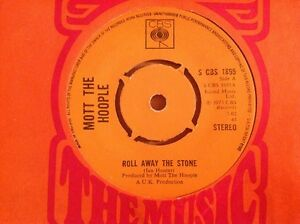 MOTT THE HOOPLE 1973 Vinyl 45rpm Single ROLL AWAY THE STONE - <span itemprop=availableAtOrFrom>Reading, United Kingdom</span> - MOTT THE HOOPLE 1973 Vinyl 45rpm Single ROLL AWAY THE STONE - Reading, United Kingdom