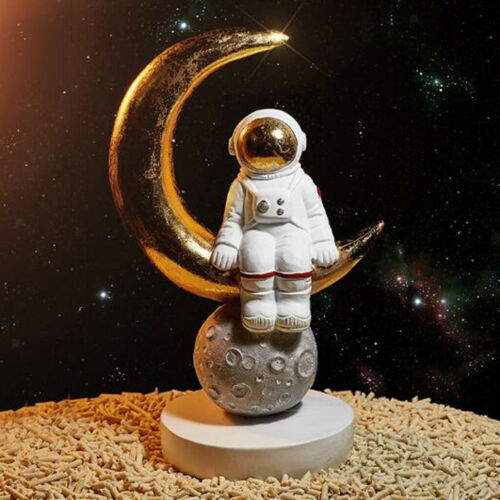 Decorative Space Man Astronaut Sculpture Cosmonaut Figurine Ornament Crafts