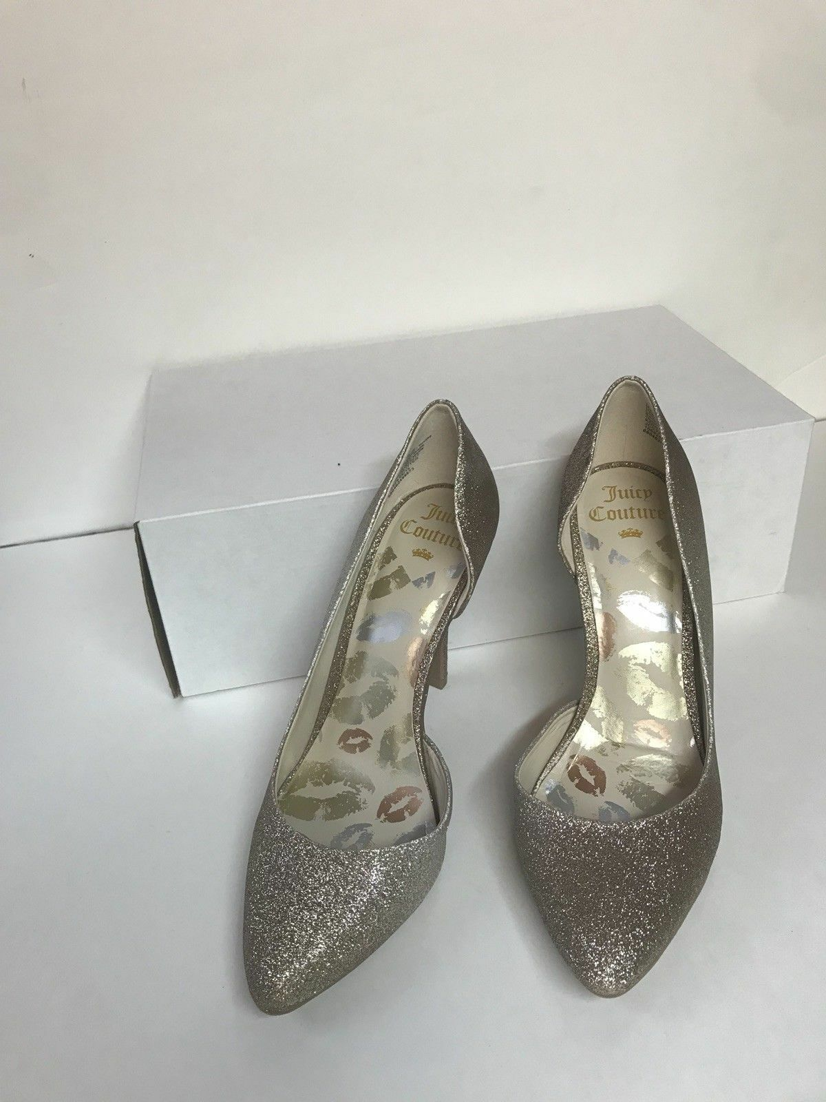 NEW JUICY COUTURE Cyra Glitter gold Slip On Fashion Dress Heels Women's Size 9M