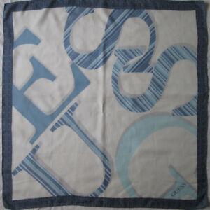 9712c754525 Superbe Foulard GUESS soie TBEG vintage 87 x 89 cm