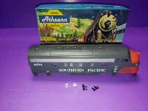 F7A-SOUTHERN-PACIFIC-HO-SCALE-ATHEARN-BLUE-BOX-DECORATED-LOCOMOTIVE-CASING-NOS