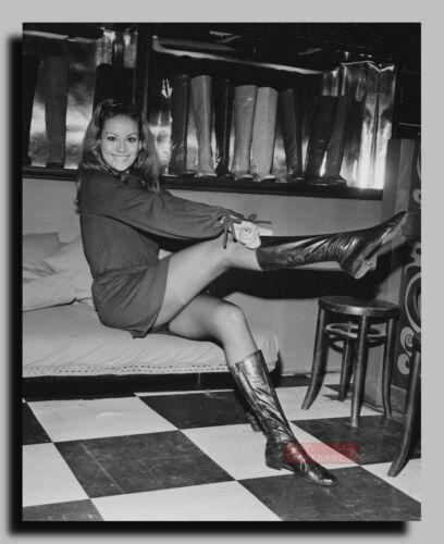 HV-0517 ACTRESS CLAUDINE AUGER PIN UP JAMES BOND 007 GIRL 8X10 PHOTO
