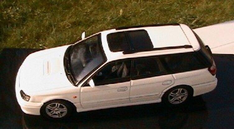 SUBARU LEGACY GTB 1999 BLANCHE AUTOART 58622 1 43 WEISS blanc blanc DIE CAST