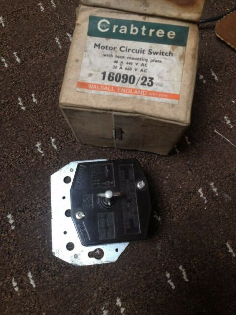 CRABTREE MOTOR CIRCUIT SWITCH WITH MOUNTING PLATE 440V   #S989