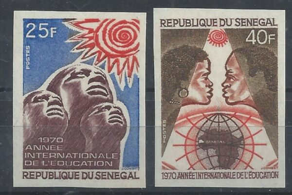Bon CœUr Senegal Non Denteles - Annee De L'education - Yvert N° 337/8 - Neufs**