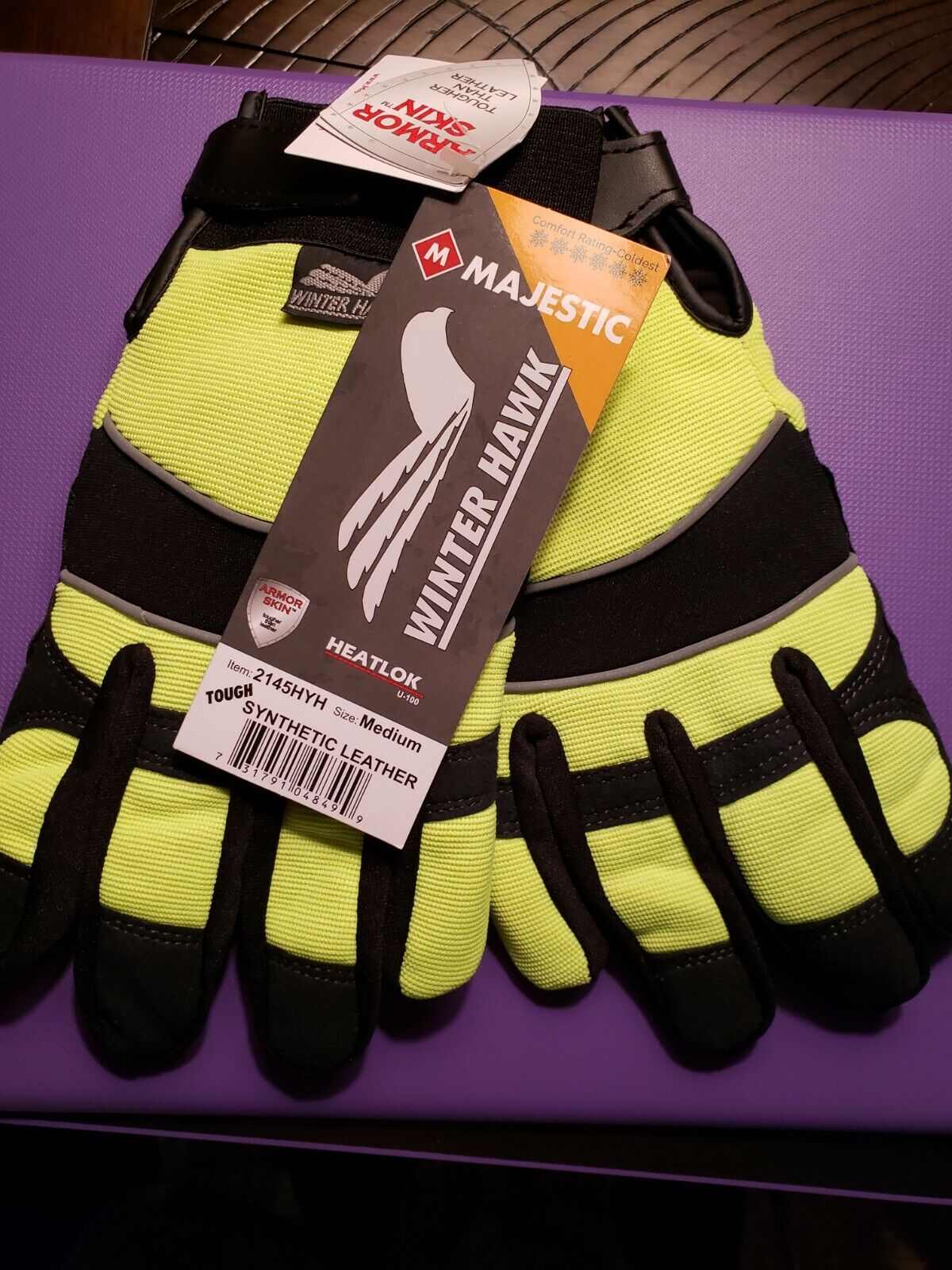 Winter Hawk armor skin gloves size ( M) **NWT**