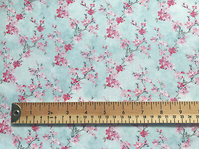 Fabric Roses 100/% Cotton Vintage Floral Fabric Material FQ Metre crafting Sewing