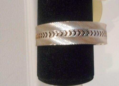 Vtg,50's Silver Tone Metal Chevron Pattern Design,