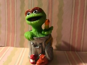 Details About Sesame Street Pvc Oscar The Grouch Trash Can Garbage Worm Cake Topper Figure