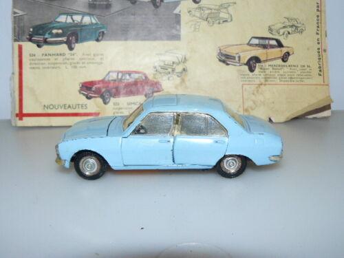 Dinky Toys Ancien Voiture Peugeot 504 Berline Référence 1415 Bleu Pale