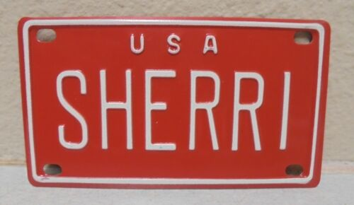 1960/'S VINTAGE MINI USA SHERRI LICENSE PLATE NAME TAG SIGN BICYCLE VANITY PL8