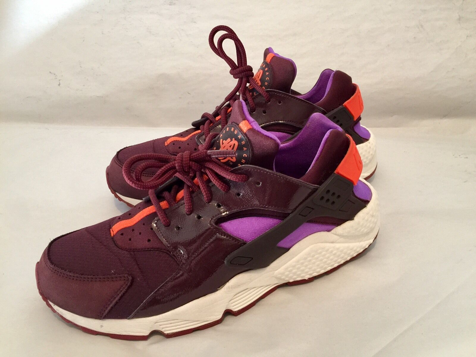 NIKE AIR HUARACHE LE BURGUNDY PURPLE 683818-681 MEN'S 10.5 WOMEN'S 12  RARE