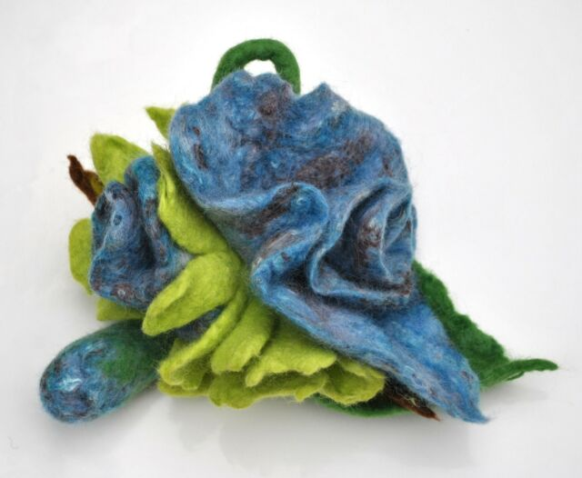 HANDMADE FELTED WOOL BROOCH/CORSAGE/PIN WET FELTING FLOWER BLUE GREEN