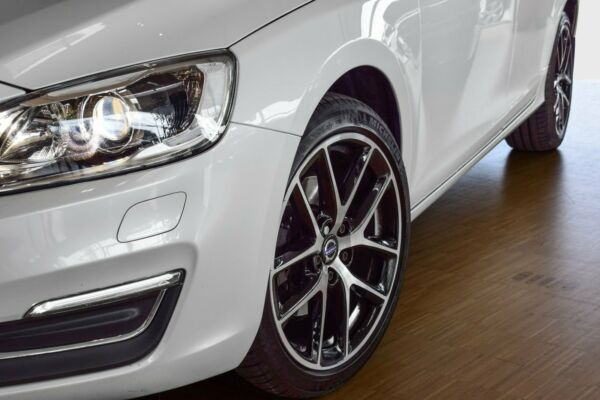 Volvo V60 2,0 D3 150 Momentum - billede 4