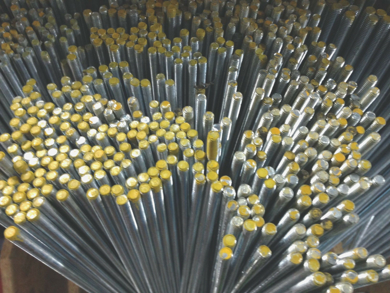 Gewindestange DIN 976 975 Gewindestangen verz 4.6 oder 8.8 M3 - M36 Gewindestab