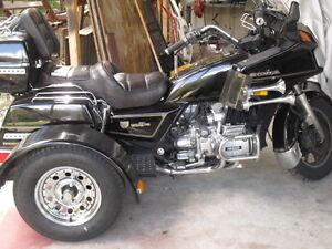 Trike kit harley honda suzuki bmw yamaha kawasaki scoot ebay image is loading trike kit harley honda suzuki bmw yamaha kawasaki solutioingenieria Choice Image
