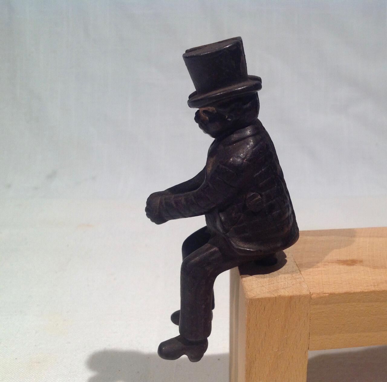 1880's-1900 Original sentado Hombre con sombrero figura 4  de largo para carro de juguete de hierro