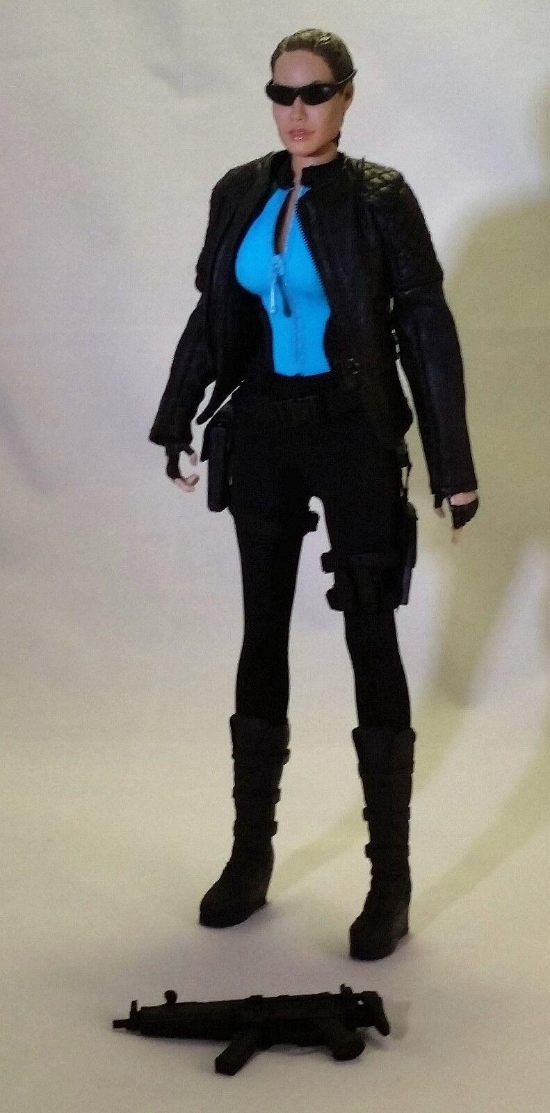 1/6 Custom Lara Croft Tomb Raider En Negro outfita, coqueta, Cy Girl, Triad Juguete