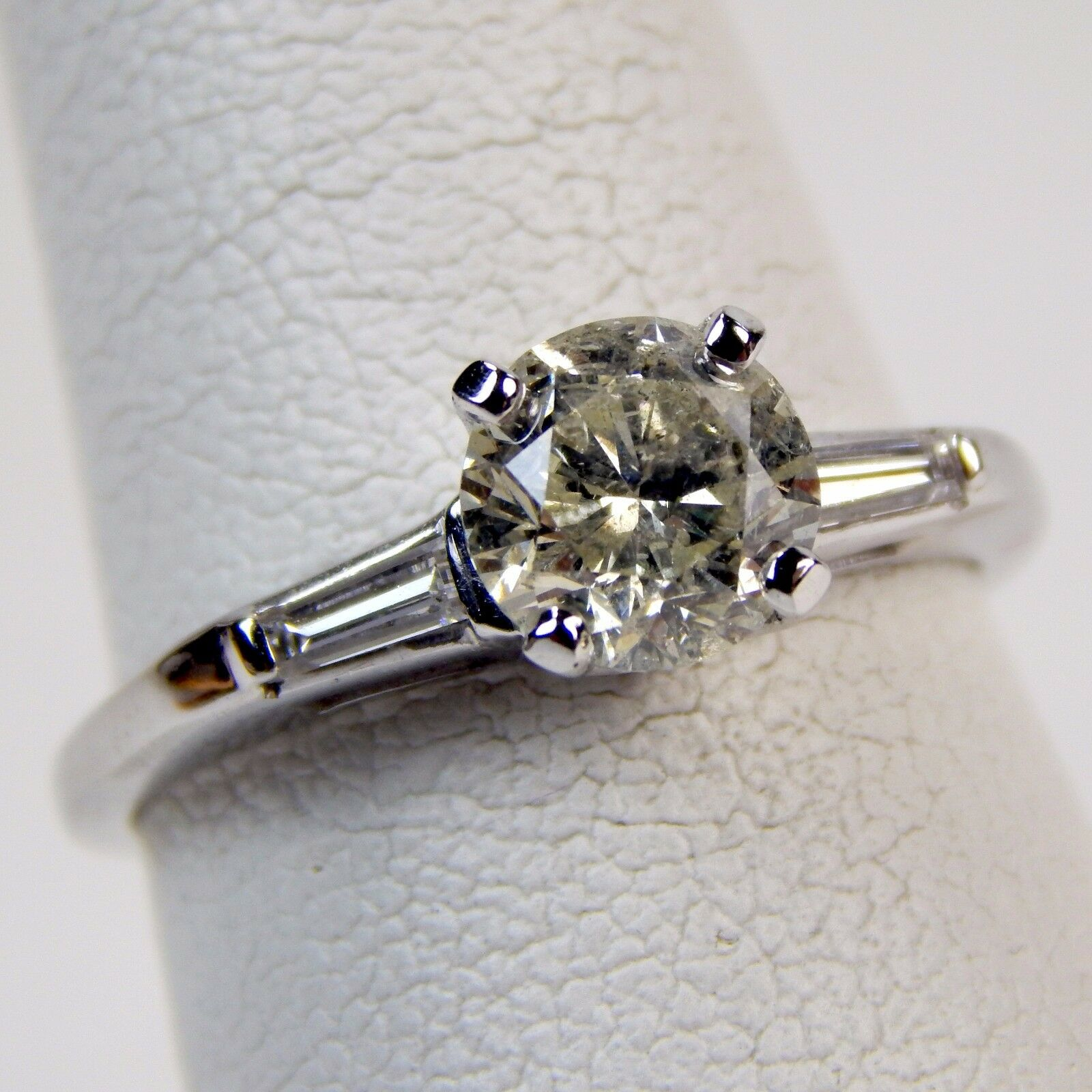 Classic 3 Three Stone Diamond Engagement Ring 14 kt White gold Size 6 1 4+