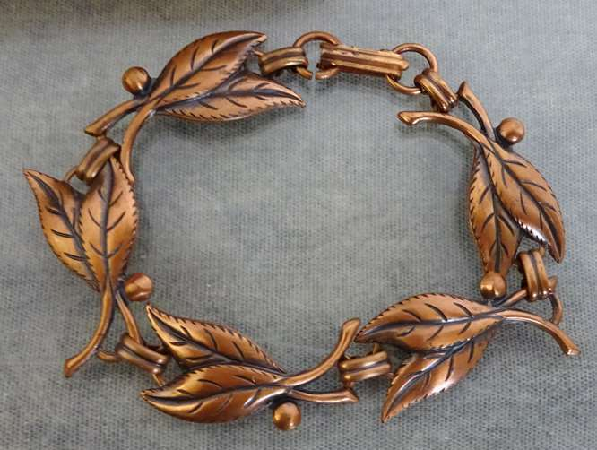Dainty Vintage Solid Copper Leaves & Berries Leaf Berry Panels Bracelet