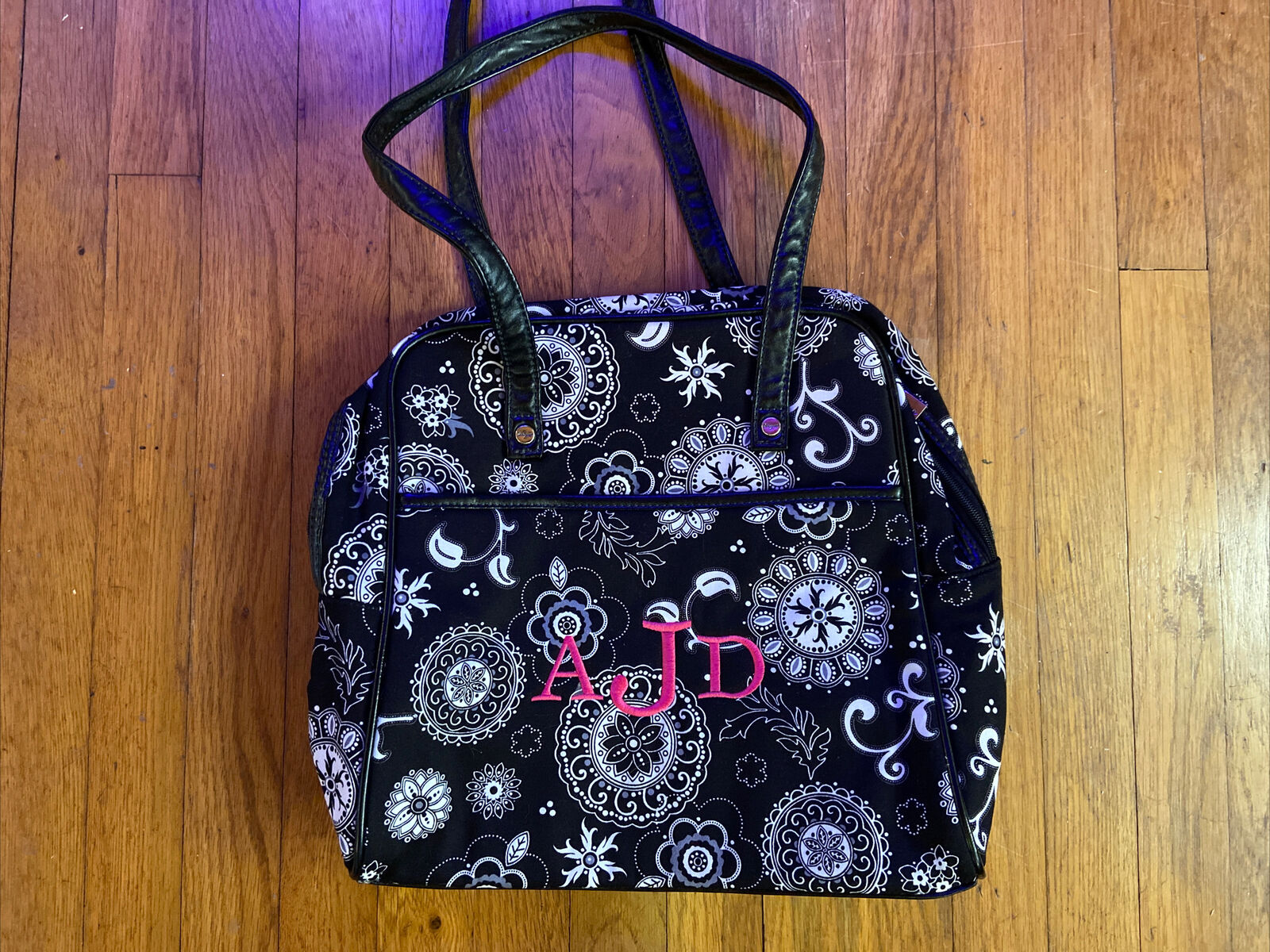 thirty one medium purse Monogrammed AJD