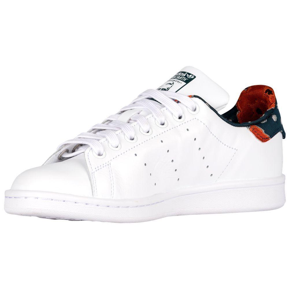 adidas Women's Stan Smith White/White/Utility Green (9 US)
