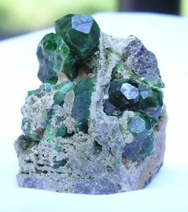 ANDRADITE-DEMANTOID-GARNET-Fine-Mineral-Specimen-Kurdistan-near-Iraq
