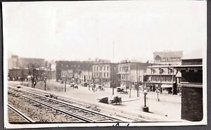 VINTAGE-1924-PHOTOGRAPH-RAILROAD-DEPOT-TRAIN-STATION-RAILWAY-TOWN-VIEW-OLD-PHOTO