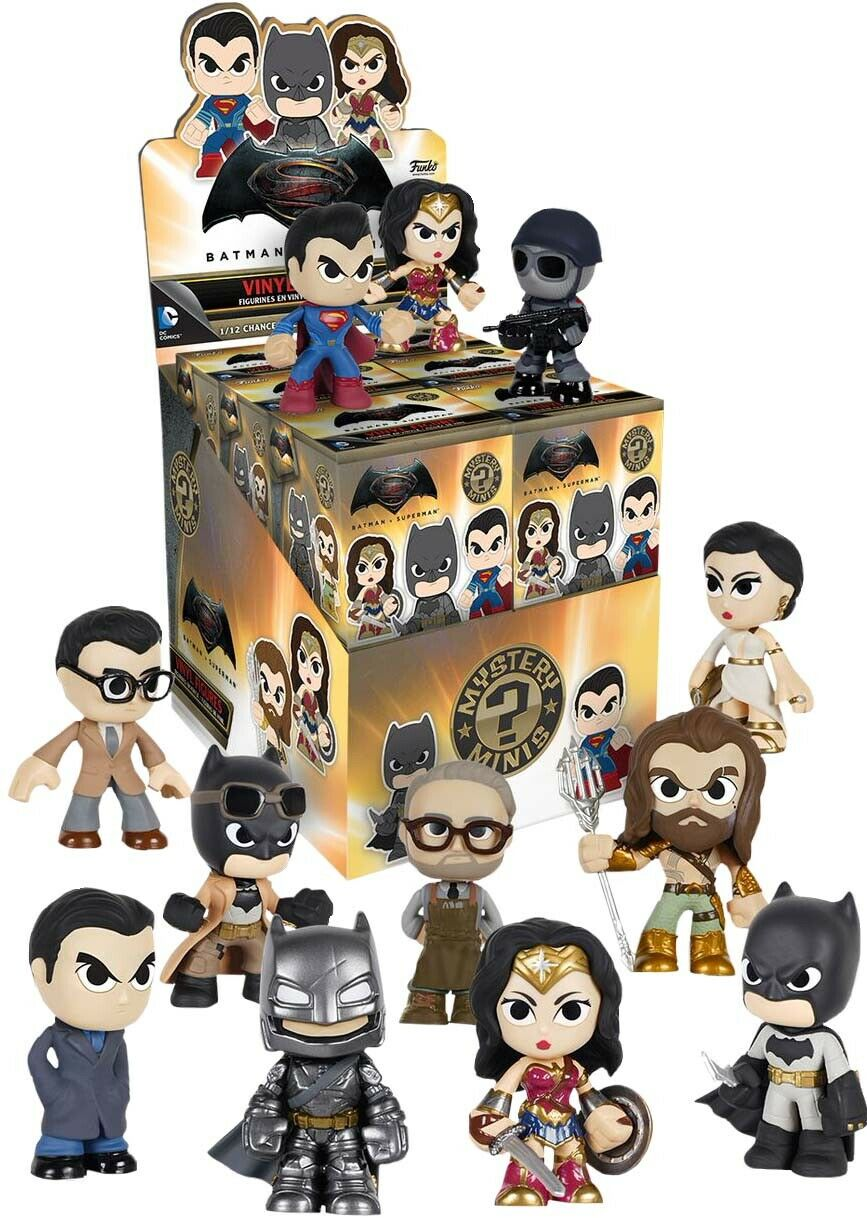 BATMAN v SUPERMAN Mystery Minis 2.5  Blind Box Vinyl Figures Display (12) Funko