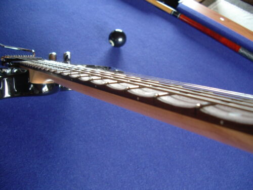 Scalloping IHRER E-Gitarre dunkles Griffbrett22Bde playing ala Yngwie,Ritchie/&Co
