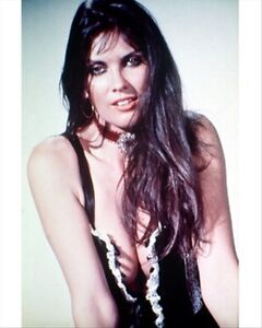 CAROLINE-MUNRO-8x10-Photo-cool-image-260150