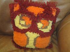 VTG HAND MADE RETRO OWL LATCH HOOK PILLOW SHAPED LIKE OWL W FRINGE FOLK ART