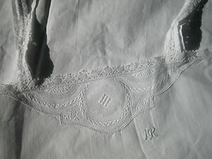 ANTIQUE-FRENCH-NIGHTDRESS-SLIP-DRESS-Crochet-Lace-Embroidery-Monogram-034-HR-034-1930