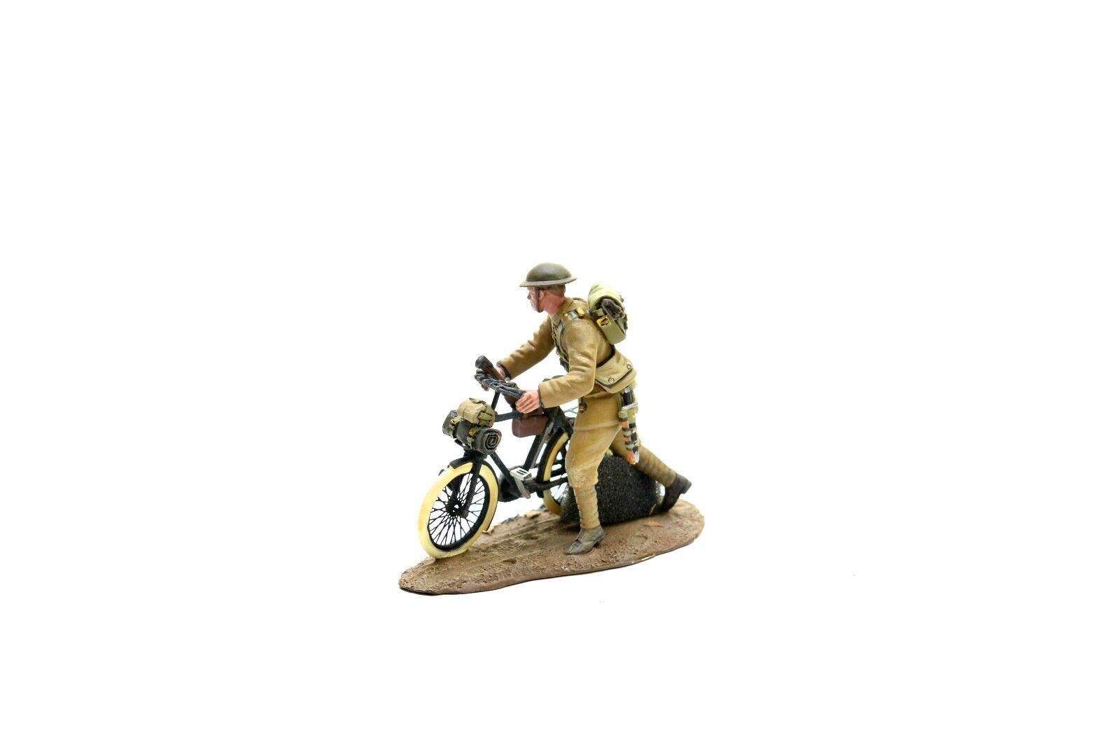 BRITAINS 23085 1916-17 BRITISH INFANTRY PUSHING BICYCLE No.1