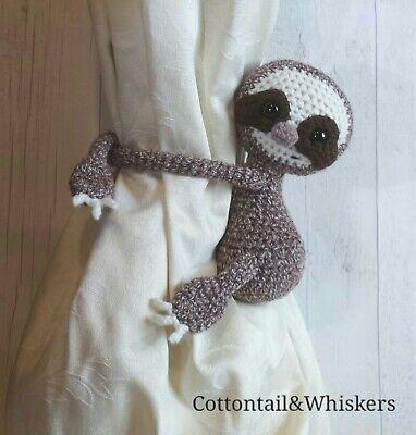 Crochet monkey curtain tie back pattern // left or right side ... | 400x382