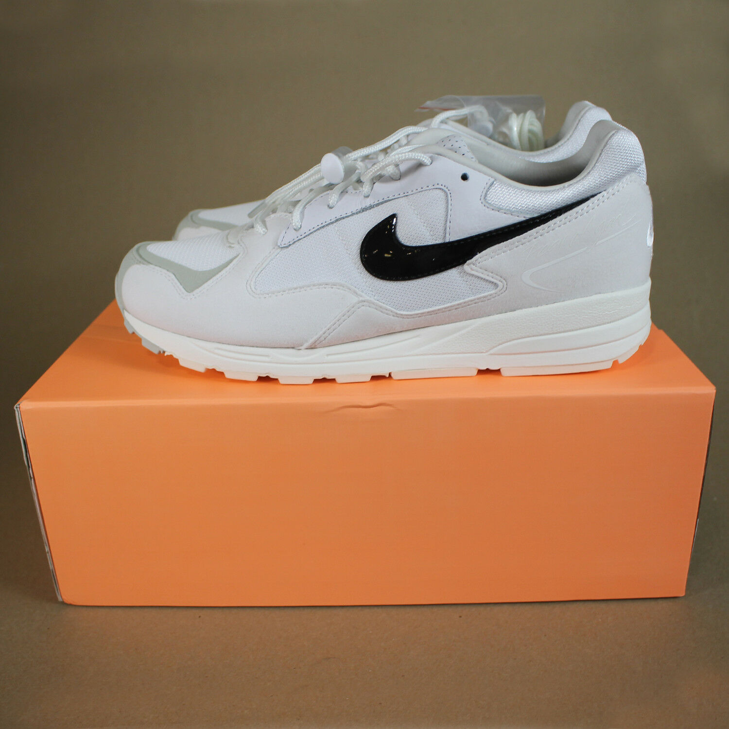 Nike Air Skylon 2 Fear of God White Size 8.5 US in Hand