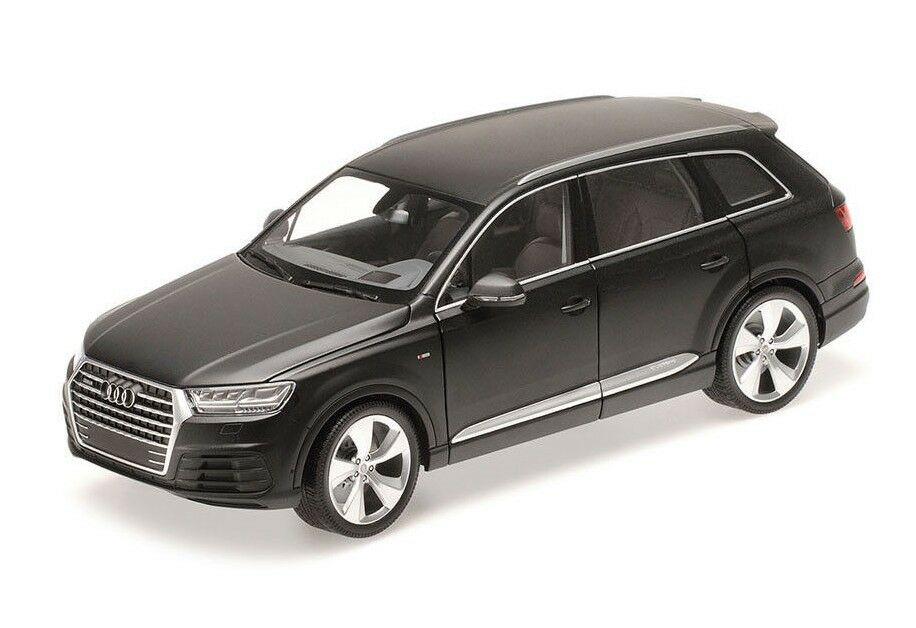 AUDI Q7 - 2014 - MATT schwarz 110014001 Minichamps 1 18  New in a Box