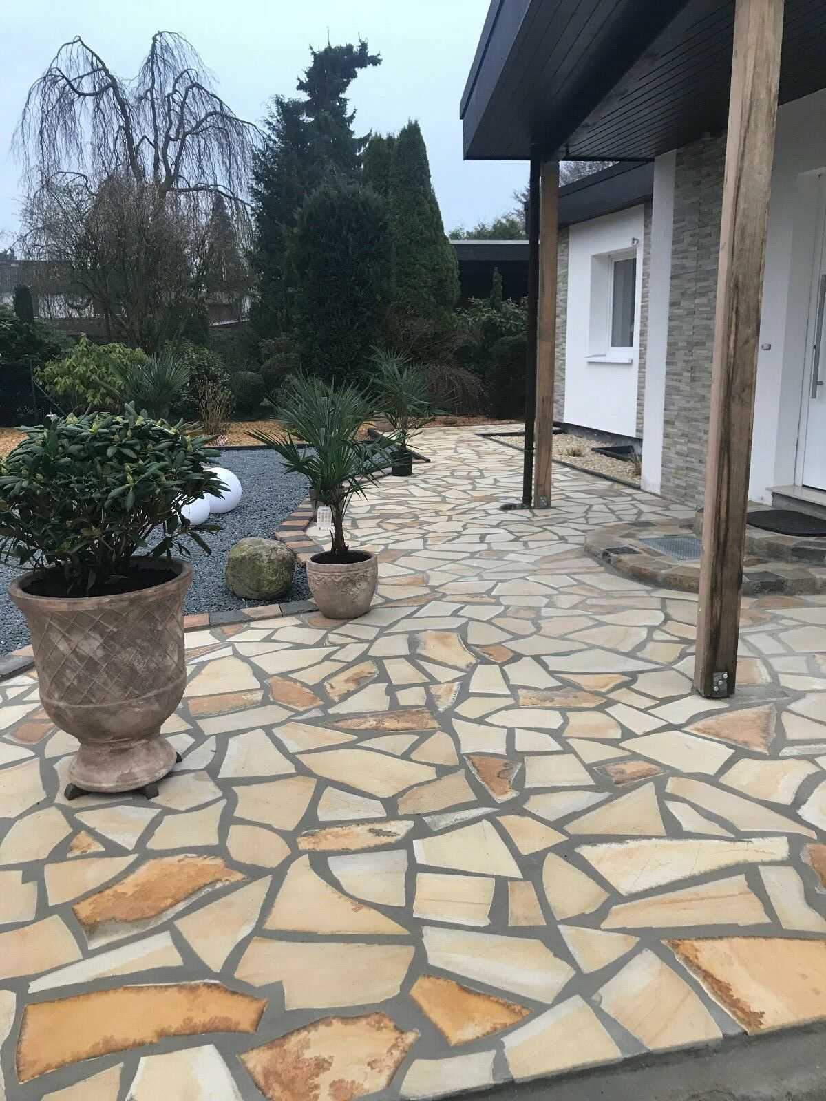 Naturstein Toscana Crema Polygonal Poolumrandung 50m²