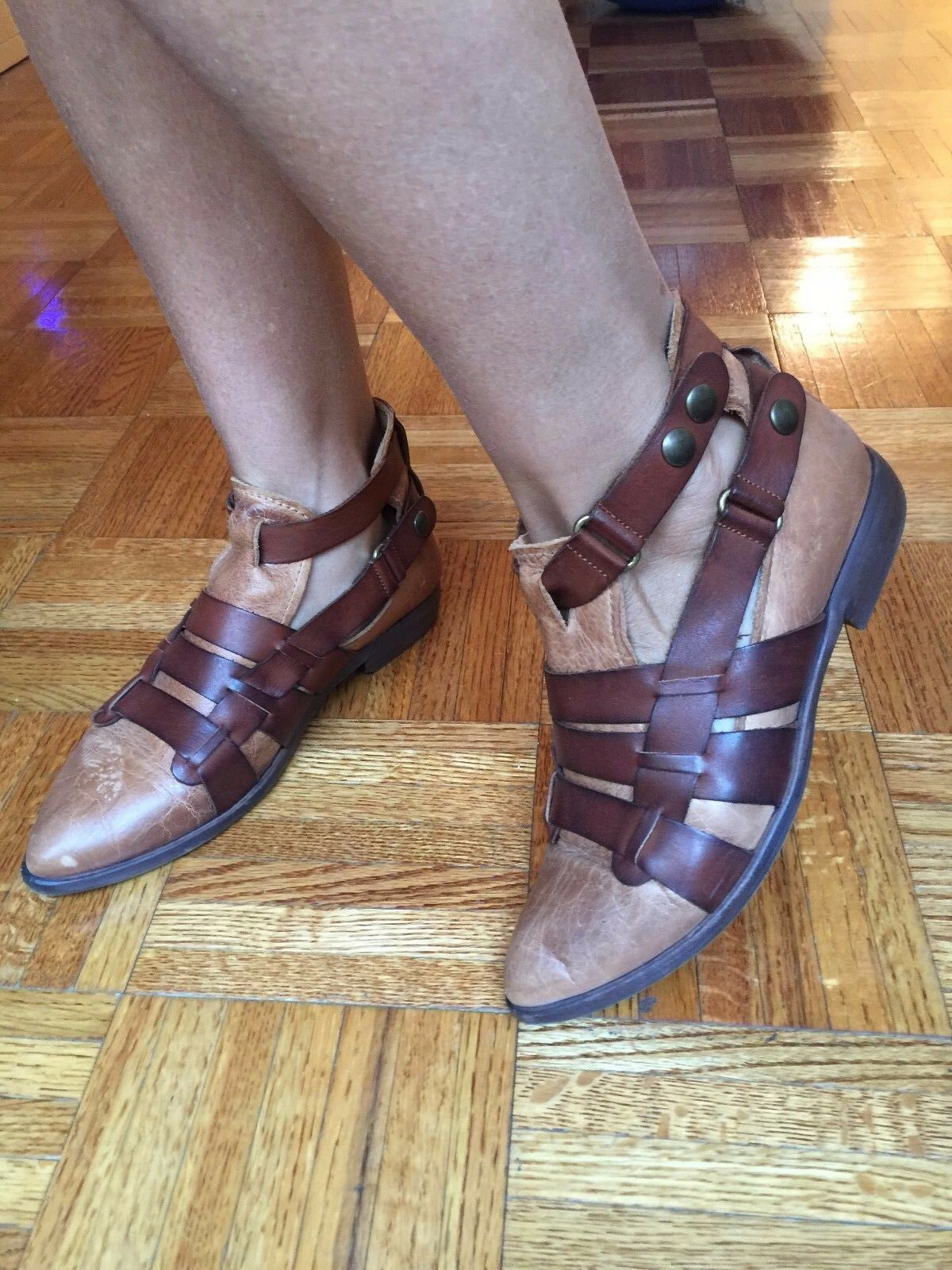 FREE PEOPLE BROWN AND COGNAC LEATHER SHOES US Sz 7 Donna SOLD OUT!