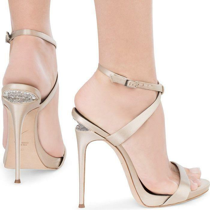 Giuseppe Zanotti Dionne Sandal Champagne Satin Crystal Sculpted Heel 39 Auth 895